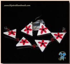 flori iie Christmas Ornaments, Holiday Decor, Cards, Home Decor, Xmas Ornaments, Homemade Home Decor, Christmas Jewelry, Christmas Ornament, Interior Design