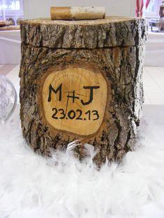 mariage hiver urne panier tronc coffre bois chalet livre d 39 or et urne pinterest mariage et. Black Bedroom Furniture Sets. Home Design Ideas