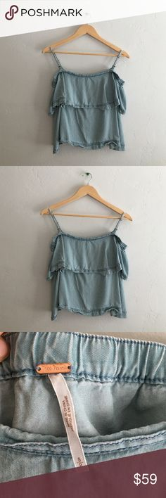 Free People Denim Blue Off the Shoulder Top SZ S ❌NO TRADES❌  - Free People Denim Blue Off the Shoulder Crop Top Sz Small  - Light denim blue Off the Shoulder Top w/ removable & adjustable inner straps  - 100% Tencel; unlined  - Great used condition. Worn once. I am pregnant so this no longer fits. Free People Tops Blouses