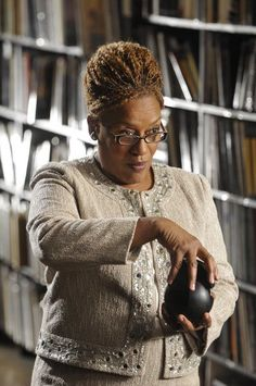 CCH Pounder in Warehouse 13 (2009)