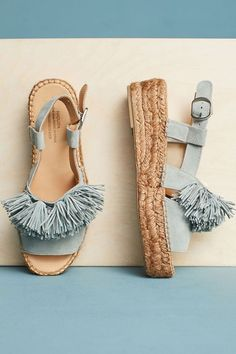 Ladies, start your shopping! The most beloved style of summertime sandal is finally back in our wardrobe rotation and you need a new pair stat! Check out our Top 10 Espadrilles now! Pretty Shoes, Cute Shoes, Me Too Shoes, Shoe Boots, Shoes Sandals, Flats, Espadrilles, Beach Shoes, Golf Shoes