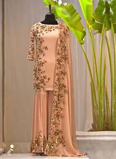 Pakistani Fancy Dresses, Desi Wedding Dresses, Pakistani Wedding Outfits, Indian Bridal Outfits, Indian Gowns Dresses, Pakistani Dress Design, Pakistani Bridal, Bridal Dresses, Designer Party Wear Dresses