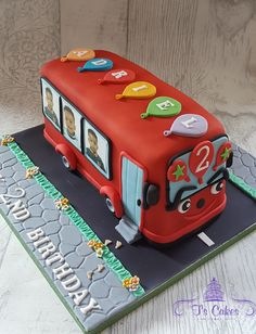 T's Cakes is a home-based cake business in Wilmington Kent, just outside Dartford. I specialise in novelty celebration cakes for all occasions. Birthday Cake Kids Boys, 4th Birthday Cakes, 2nd Birthday Parties, School Bus Cake, Second Birthday Ideas, Cake Decorating Designs, Horse Cake, Beautiful Birthday Cakes, Wheels On The Bus