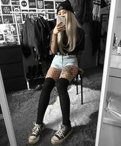 Child Grunge Â«letterformat. Cute Casual Outfits, Edgy Outfits, Mode Outfits, Retro Outfits, Soft Grunge Outfits, Grunge Clothes, Black Outfit Edgy, Korean Outfits, Style Clothes