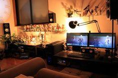 オタク部屋って散らかっている印象がありませんか?でも、自分の好きなものを飾りながらもオシャレにすることができるんですよ!今回はオシャレなオタク部屋の作り方と、インテリアの参考例をご紹介いたします。