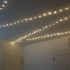 Covered my ceiling with star lights☄☄