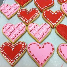 Ideas baking cookies quotes sugar for 2019 Bakery Sugar Cookies Recipe, Valentine's Day Sugar Cookies, Heart Cookies, Iced Cookies, Cute Cookies, Cupcake Cookies, Baking Cookies, Valentines Day Cookies, Valentines Food