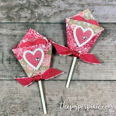 Diaper Fold Valentine's Lollipop Cover! (The Paper Pixie) Valentine Treats, Valentine Day Crafts, Valentine Decorations, Holiday Crafts, Valentine Cards, Valentine Cupcakes, Heart Cupcakes, Pink Cupcakes, Diy Gift Bags Paper