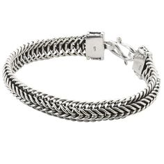 #FairTuesday An elegant bracelet that is eye-catching and versatile