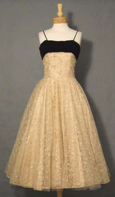 embroidered tulle dress - Buscar con Google