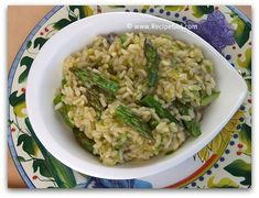 Time to dig out the asparagus recipes.  Shall we start with some lovely Risotto?