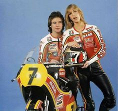 Barry Sheene, as motos e o marketing Motogp, Old School Motorcycles, Racing Motorcycles, Valentino Rossi, Grand Prix, Formula 1, Yamaha Motorbikes, Gp Moto, Motorcycle Racers