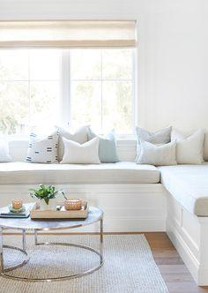 Family Room Decorating, Family Room Design, Living Room Designs, Living Room Decor, Living Rooms, Living Spaces, Family Room Sectional, Modern Family Rooms, Living Room Inspiration