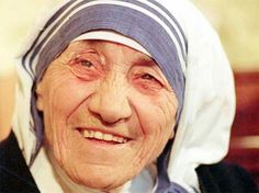 Mother Teresa was the founder of the Order of the Missionaries of Charity a Roman Catholic congregation of women dedicated to helping the poor. Considered one of the greatest humanitarians of the century she was canonized as Saint Teresa of Calcutta in Mother Teresa Biography, Mother Teresa Quotes, Sainte Therese De Lisieux, Saint Teresa Of Calcutta, Love Your Family, Nobel Peace Prize, Nobel Prize, We Are The World, Mo S