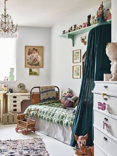 How to create a stunning vintage kids room - DIY home decor - Your DIY Family Kids Bedroom Designs, Kids Room Design, Decor Room, Bedroom Decor, Boy Decor, Bedroom Ideas, Nursery Decor, Boho Nursery, Kids Decor