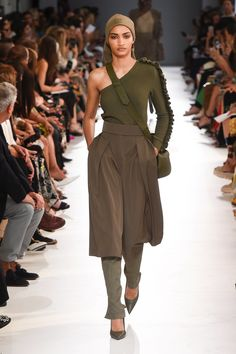 caa69c079df Max Mara Spring 2019 Ready-to-Wear Collection - Vogue Μόδα Της Πασαρέλας,