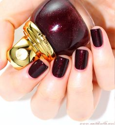Dior Golden Winter collection (Holiday 2013) | Nailderella Want for Christmas! Would look good on the toes too.