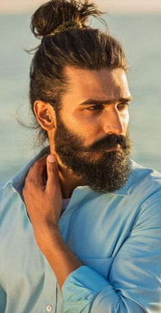 Hairstyles Recogido 7 Best Hipster Hairstyles Men Should Try This Season!Hairstyles Recogido 7 Best Hipster Hairstyles Men Should Try This Season! Hipster Hairstyles Men, Man Bun Hairstyles, Mens Hairstyles With Beard, Cool Hairstyles For Men, Headband Hairstyles, Mens Medium Length Hairstyles, Indian Hairstyles, Celebrity Hairstyles, Straight Hairstyles