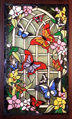 Stained glass designs, stained glass patterns, stained glass windows, s Stained Glass Patterns Free, Stained Glass Quilt, Stained Glass Door, Stained Glass Designs, Stained Glass Projects, Glass Mosaic Tiles, Mosaic Art, Glass Butterfly, Window Art
