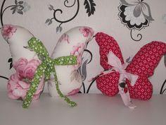 Schmetterlinge als kleine Kissen