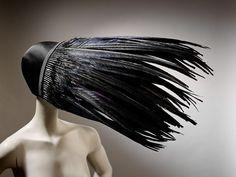 スライドショー:ピーボディ・エセックス博物館での「帽子:Stephen Jonesによるコレクション」 by (image 3) - BLOUIN ARTINFO , アートとカルチャーに特化したグローバルなオンライン情報サイト | BLOUIN ARTINFO