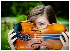 Senior Portraits of Lindsey with her horse & violin in her outdoor session. | Serendipity Photography Duvall, WA 206-947-4686
