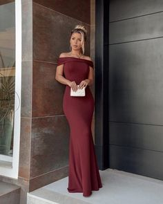 Unique Burgundy Satin Long Prom Dresses, | burgundypromdress Green Wedding Suit, Wedding Suits, New Party Dress, Fancy Dress, Beautiful Prom Dresses, Elegant Dresses, Party Dresses For Women, Formal Evening Dresses, Social