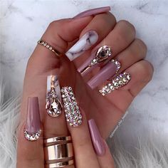75 Pretty ways to have glitter nails 71 - Hair and Beauty eye makeup Ideas To Try - Nail Art Design Ideas Rhinestone Nails, Bling Nails, Glitter Nails, Bling Nail Art, Jewel Nails, Art Nails, Sparkle Nails, Shellac Nails, Fancy Nails