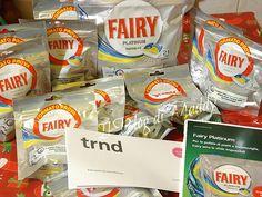 Fairy Platinum è il detergente per lavastoviglie dalla speciale formula 3 in 1 delle caps; caps idrosolubili che contengono..