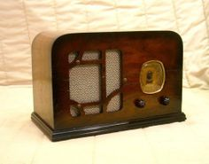 Old Antique Wood Delco Vintage Tube Radio - Restored Working Art Deco Table Set. Great Christmas idea!