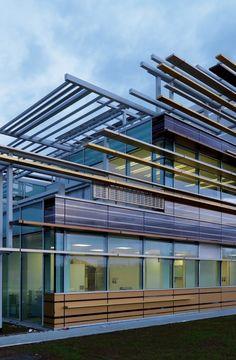3m+Italia+Headquarters+/+Mario+Cucinella+Architects - building integrated photovoltaics and shading