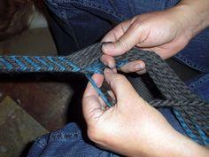 Tutorial: Finger Weaving, Beginner's Diagonal Weave