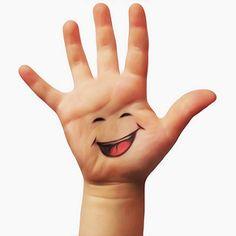 Umamu Logo - The Smiling Hand - La Mano che Sorride © Dino Olivieri | da ! / dino olivieri / www.onyrix.com