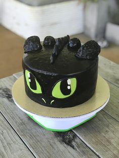 "[Homemade] How To Train Your Dragon ""Toothless"" Cake #cookingtraining"