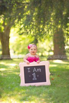 Cute idea for first birthday photo!
