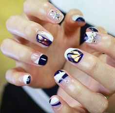 Love these nails from UNISTELLA BY EK