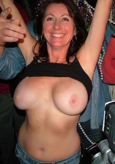 her tits flashing Mom