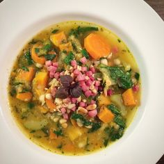 A #soup a day keeps the #doctor away.  Today we have a #vegetablesoup with #zucchini #pumpkin #celery #spinach #carrots #whitebeans #rosmarin #thyme topped with a little #ham and #pinenuts. It's a good #lowcarb option for #dinner and without the ham even #vegan.  | #suppe #suppenkasper #healthy #healthysoup #eatclean #eathealthy #highprotein #flavorful #delicious #fitfood #yummy #instafood #instagood #foodporn