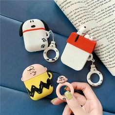 Bluetooth Wireless Headphone Case Cute Cartoon Charlie Brown peanuts Silicone Earphone Cover For Airpods Charging Box Cases Charlie Brown Cartoon, Charlie Brown Peanuts, Peanuts Gang, Iphone 7, Iphone Cases, Apple Airpods 2, Blue Envelopes, Earphone Case, Snoopy Love