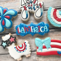hashtag llamercia 🦙🇺🇸 this is the set I taught at the cookie round up in Eden! of july cookie design inspired by… Crazy Cookies, Fancy Cookies, Cute Cookies, Cupcake Cookies, Cookie Cakes, Cupcakes, Iced Sugar Cookies, Royal Icing Cookies, 4th Of July Party