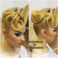 Так приятно делать моих девочек идеальными @artecreo #artecreo #чемпионатроссии #прическа #казань #ялюблюсвоюработу #hair #hairstyle #makeup #макияж