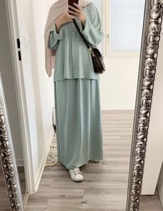 Muslim Fashion, Modest Fashion, Hijab Fashion, Fashion Dresses, Big Size Fashion, Stylish Hijab, Diy Clothes Videos, Hijab Outfit, Duster Coat