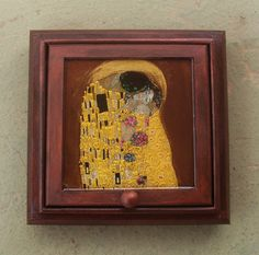 Check out this item in my Etsy shop https://www.etsy.com/listing/199062696/wooden-jewelry-box-kiss