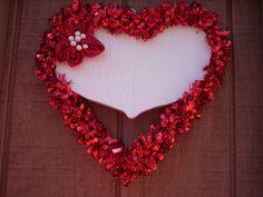 Valentine wood wreath/Valentine marker board wreath/Flower wood wreath/Heart wreath/Wood heart wreath/Outdoor valentine wreath/Rustic wreath...