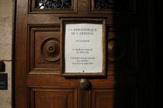 Bibliothèque de l'Arsenal Arsenal, Monuments, Door Handles, France, Paris, Breezeway, Gym, Montmartre Paris, Door Knobs