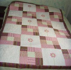 tampo em patchwork, bordado de aplicação, quilt