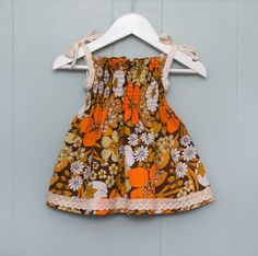 girls sundress/ 1970s fabric / vintage dress/ by LittleBinks
