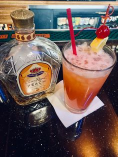 Discover recipes, home ideas, style inspiration and other ideas to try. Alcoholic Drinks With Pineapple Juice, Peach Drinks, Easy Alcoholic Drinks, Alcohol Drink Recipes, Summer Drinks, Fun Drinks, Juice Drinks, Juice Recipes, Mixed Drinks