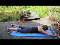 ▶ Rückentraining zu hause - 3 Theraband Übungen für den Rücken - Rückenmuskulatur stärken - YouTube