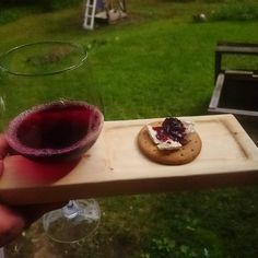 "228 tykkäystä, 9 kommenttia - Nata Lappi (@natamad) Instagramissa: ""Now I can take my private wine and cheese party with me everywhere. ❤ #woodworking #woodwork #wine…"""